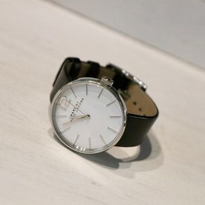 WATCH - MARC JACOBS - PEGGY